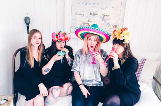 How to Throw a Girls' Night in Hen Party
